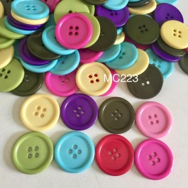 MC223: Dyed Flat Round Buttons 30x3mm, 10 pieces [ C3 ]