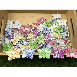 MC346: Dyed Butterfly Flower Wooden Buttons 28.5x21mm, 50 pieces [ C17 ]