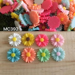 MC392: Resin Flower 13mm, 50 pieces/pack [ B3 ]