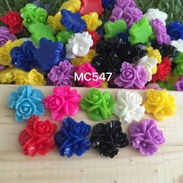 MC547: Opaque Resin Flower 16mm, 50 pieces/pack