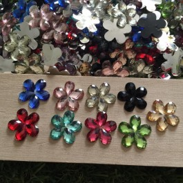 SA041: 100 pieces Flower Resin Cabochons Silver Buttom Plated 16mm [ A18 ]