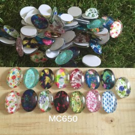 MC650: Flower Oval Glass Cabochons 18x13mm, 20 pieces [ C18 ]