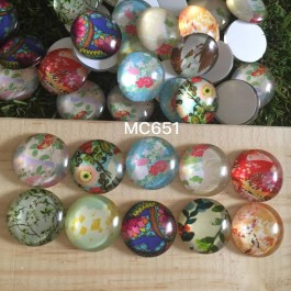 MC651: Flower Round Glass Cabochons 20mm, 20 pieces [ B4 ]