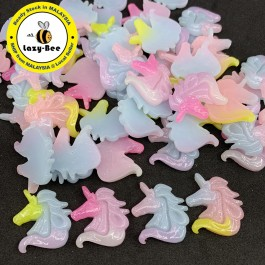 SA758: 10 pieces Unicorn Resin Cabochons Glitter Powder 23x22mm [ C8 ]