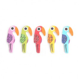 B0126928: 50 pieces Parrot Wood Button 40x17mm