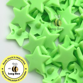 KM323: LIME GREEN B50 STAR Shape 50 Sets (200 pcs) KAM GLOSSY Snap Button Plastic Fastener DIY Sewing Carft [ L13 ]